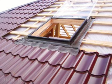 Сколько стоит покрыть крышу металлочерепицей – стоимость работ по кровле (видео, фото)
