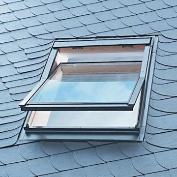 Кровельные окна: как называется окно в крыше мансарды, установка в кровле своими руками, крышные окна частных домов, встроенные