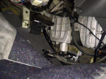 Чистка испарителя кондиционера со снятием и без: механически и самостоятельно