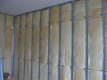 Как утеплить стену в квартире изнутри: обзор популярных технологий, пошаговые примеры