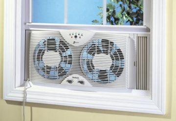 Оконный вентилятор (форточная вытяжка в окно): выбор, установка