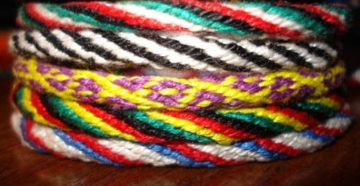 Плетение японских шнуров Кумихимо — фотоурок