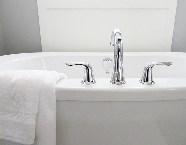 Разновидности смесителей для ванной